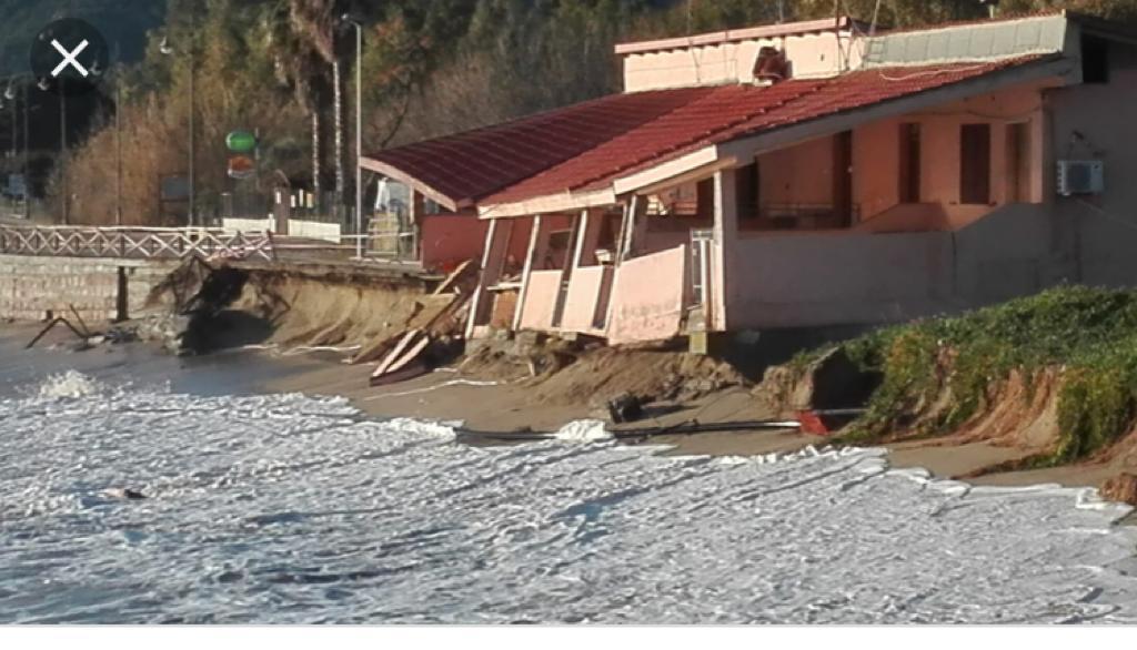 Lavori sulla casa quasi dentro il mare sul litorale di Museddu a Cardedu (NU), GriG chiede accesso agli atti