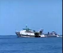VIDEO | Lampedusa, motopesca tunisino sperona unità della Guardia di Finanza, inseguimento da brivido