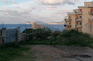 Rifiuti abbandonati, al via le bonifiche di Via Toda e Via Barraccu