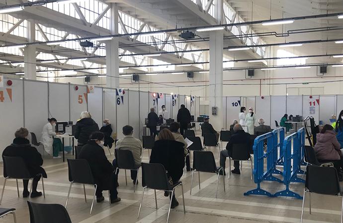 Screening Sardi e Sicuri: spreco di risorse il personale si impieghi per le vaccinazioni
