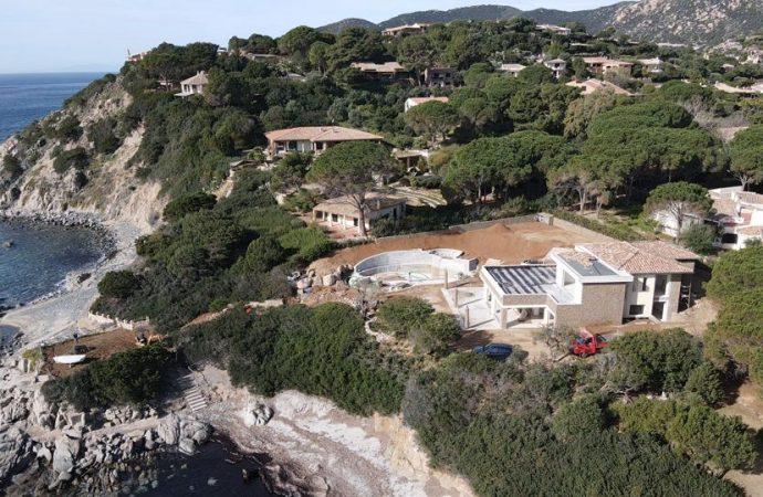 """Un cantiere """"misterioso"""" a due passi dal mare di Capo Boi (Villasimius)"""