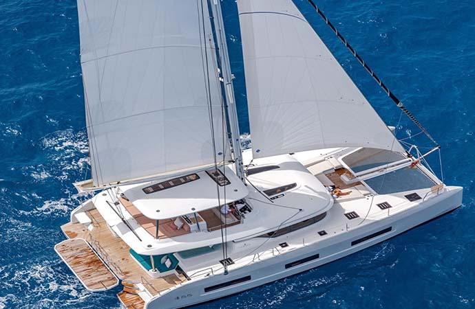 A Cala dei Sardi la presentazione del nuovo catamarano Lagoon