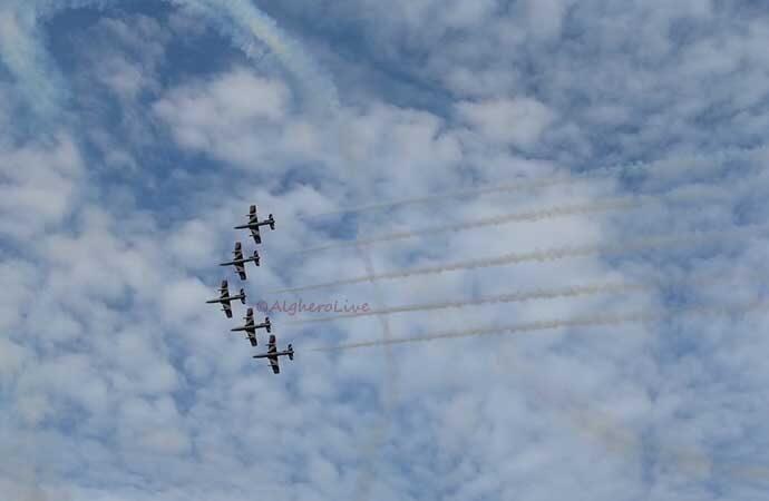 Frecce Tricolori si addestrano sul cielo di Alghero