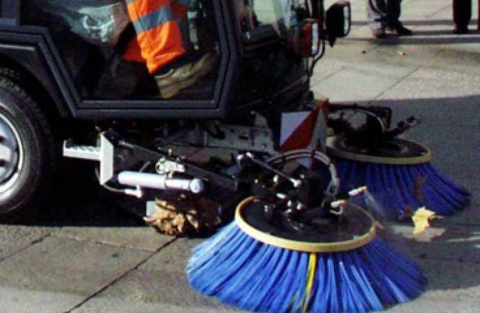 Lavaggio strade e pulizia nelle vie alberate, ecco il calendario
