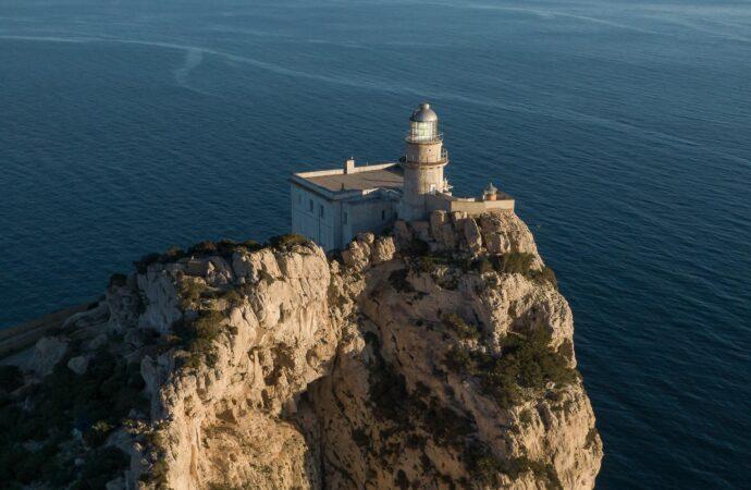 Il Parco plaude il risveglio della cittadinanza sul Faro di Capo Caccia. Subito tavolo tecnico